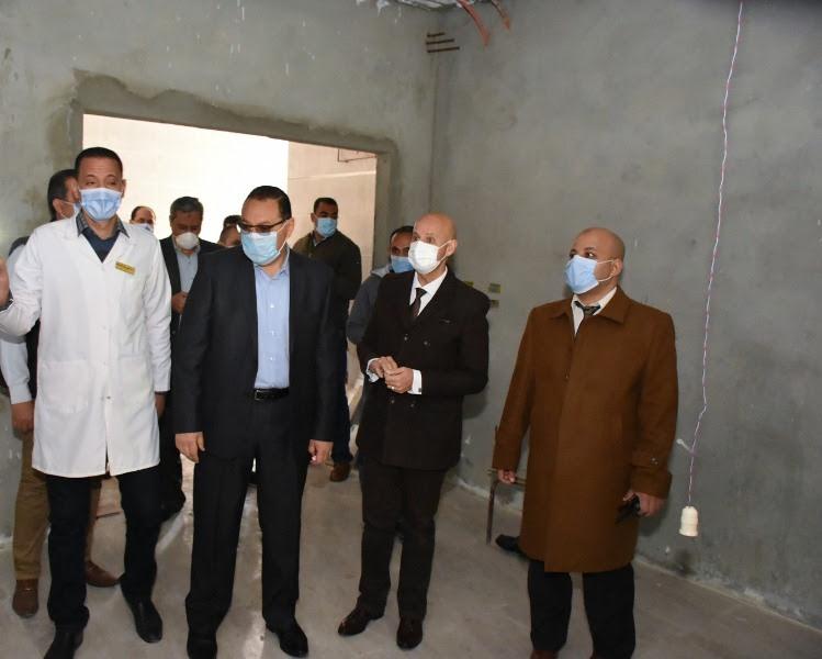 محافظ الشرقية يتابع تطوير مستشفى الزقازيق العام