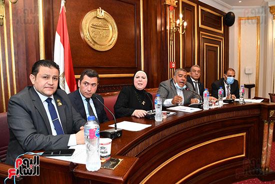 اجتماع لجنة الصناعة (7)
