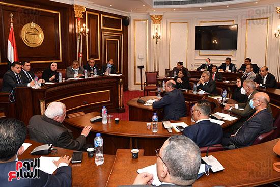 اجتماع لجنة الصناعة (6)
