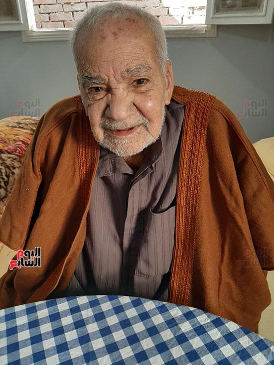 محمد عبد الفتاح إبراهيم 90 عاما (4)