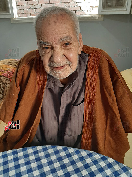 محمد عبد الفتاح إبراهيم 90 عاما (5)