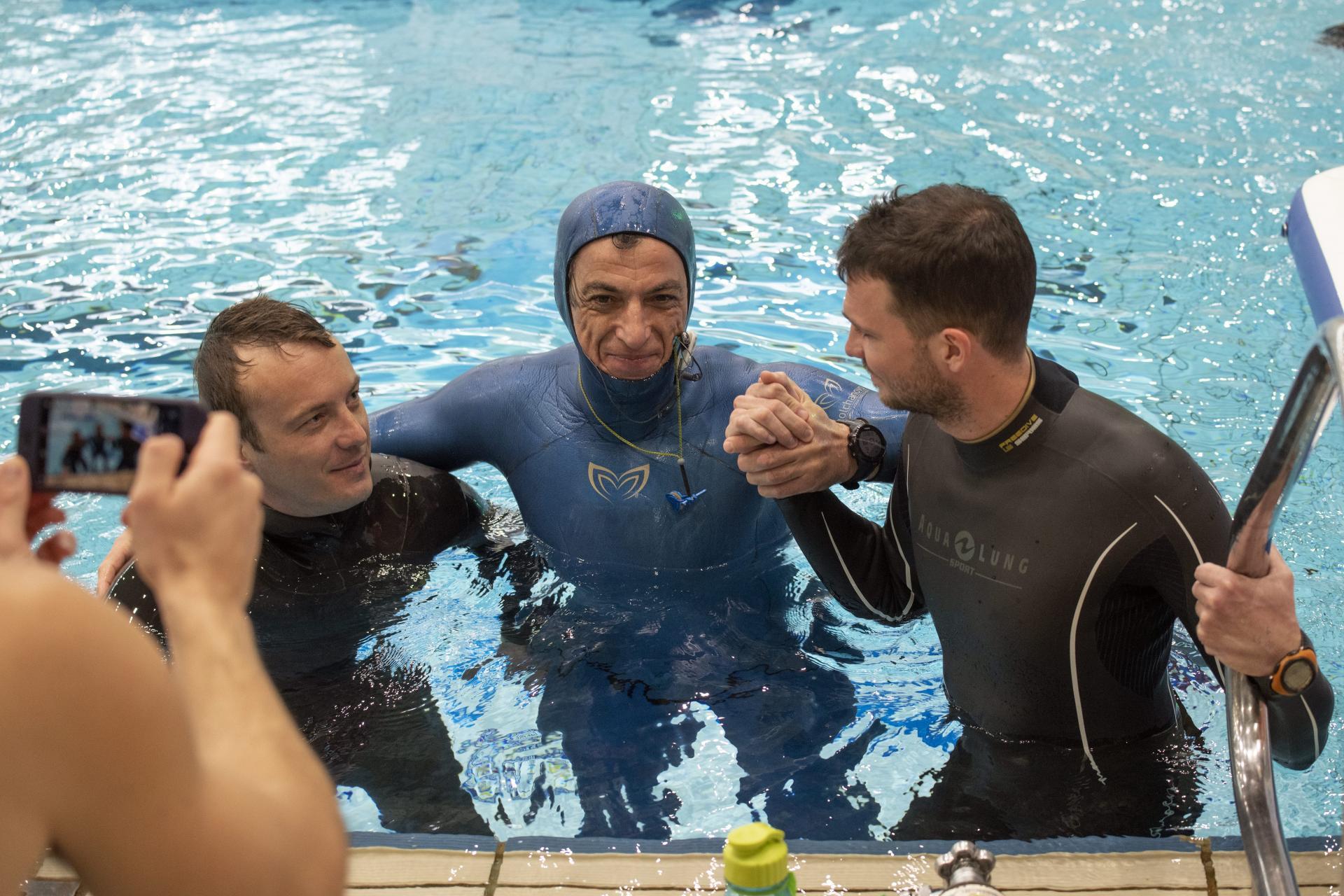 غطاس كرواتى 54 عاما يحبس أنفاسه أكثر من 24 دقيقه تحت الماء (3)