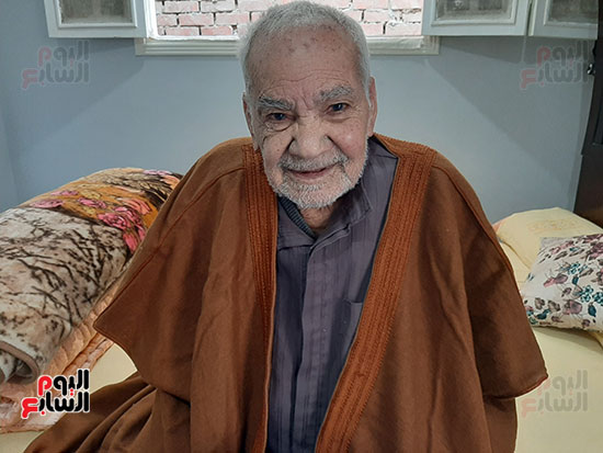 محمد عبد الفتاح إبراهيم 90 عاما (2)