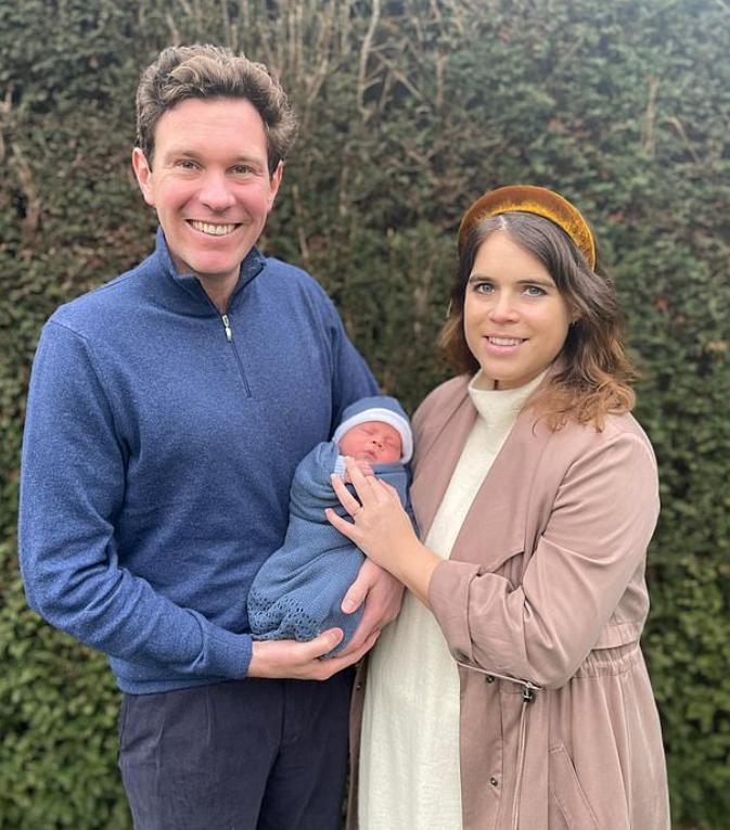 أوجينى وزوجها جاك وطفلهما