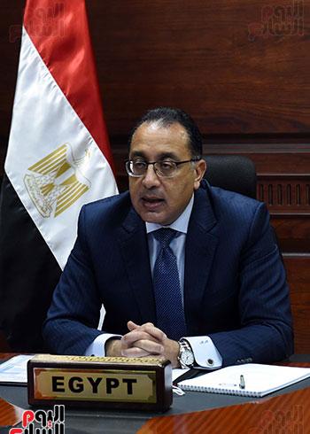رئيس الوزراء يُلقي كلمة نيابة عن الرئيس السيسي حول متابعة تنفيذ استراتيجية م (7)