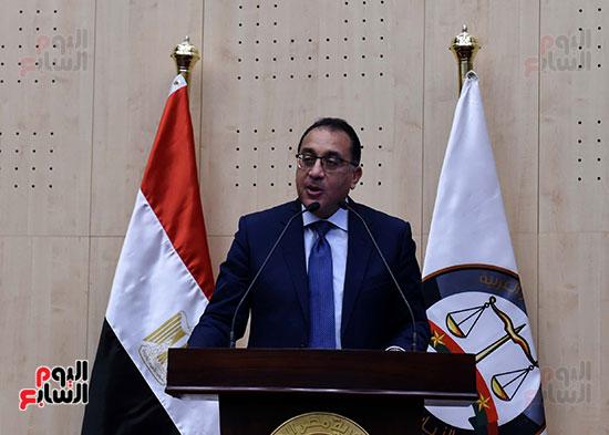 رئيس الوزراء يزور مقر النائب العام لمتابعة جهود التحول الرقمى (1)