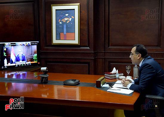 رئيس الوزراء يُلقي كلمة نيابة عن الرئيس السيسي حول متابعة تنفيذ استراتيجية م (4)