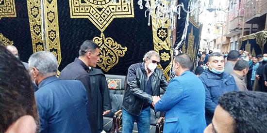 خالد يوسف يتلقى العزاء في شقيقه  (3)