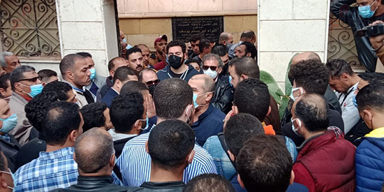 جانب من تشييع جنازة شقيق خالد يوسف
