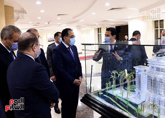 رئيس الوزراء يزور مقر النائب العام لمتابعة جهود التحول الرقمى (8)