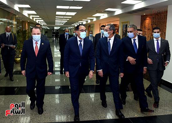 رئيس الوزراء يزور مقر النائب العام لمتابعة جهود التحول الرقمى (10)