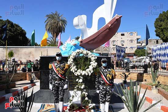 حافظ قنا باحتفالات قرية البارود (2)