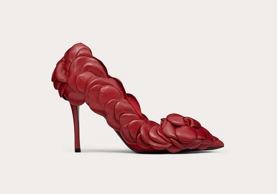 حذاء فالنتينو