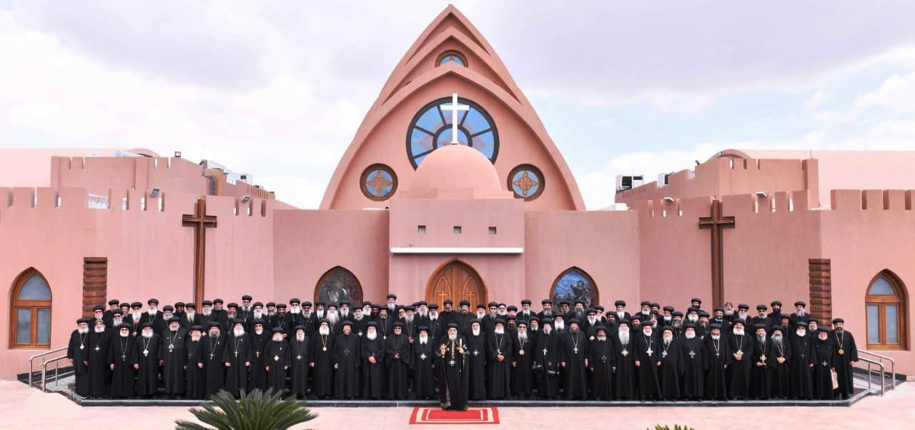 البابا تواضروس يترأس المجمع المقدس بدير الأنبا بيشوى  (3)