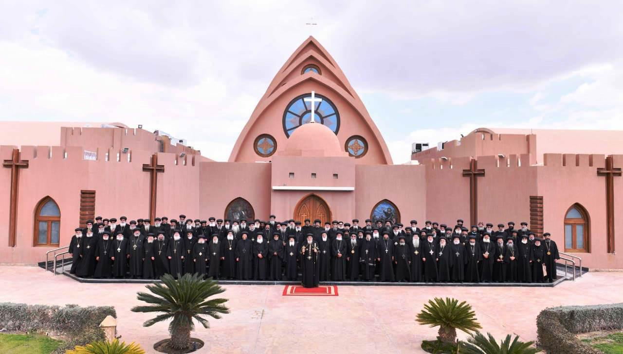 البابا تواضروس يترأس المجمع المقدس بدير الأنبا بيشوى  (2)