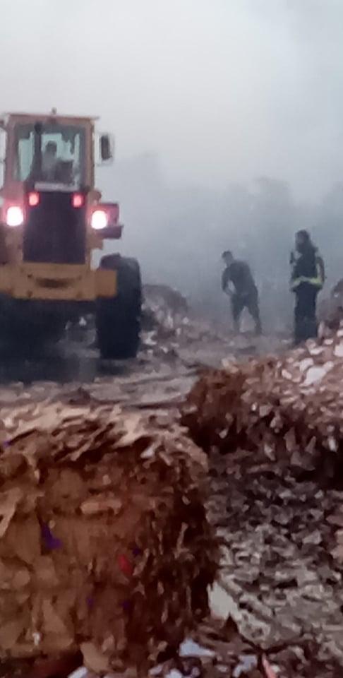 محاولات الحماية المدنية لاخماد الحريق