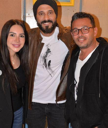 انجلاء علاء مع زوجها