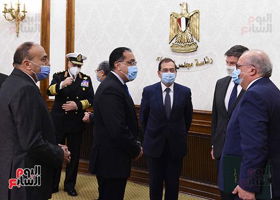 مصطفى مدبولى يشهد توقيع اتفاقية بدء دراسات إنتاج الهيدروجين الأخضر لتوليد الطاقة (1)