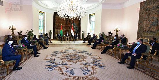 استقبال عمر سيسوكو إمبالو رئيس جمهورية غينيا بيساو بقصر الاتحادية