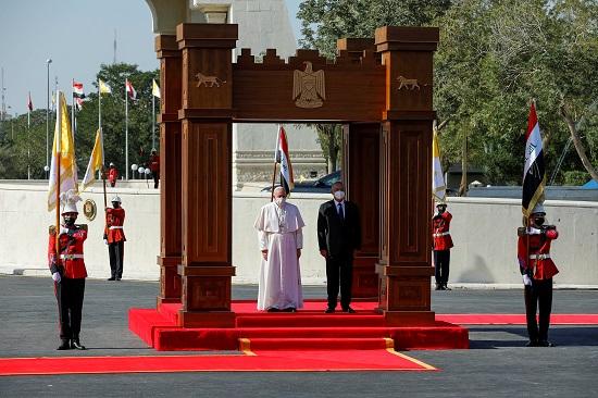 استقبال الرئيس العراقى للبابا فرنسيس