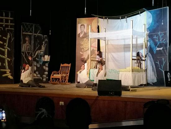 استعراض مسرحية بقصر الثقافة