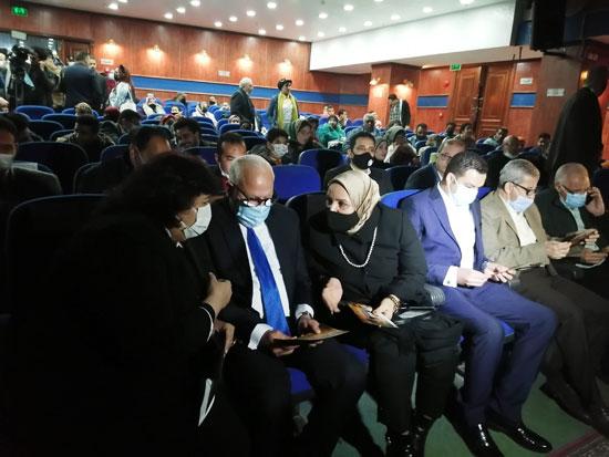 الوزيرة والمحافظ في قصر ثقافة بورسعيد