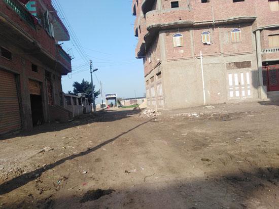 القرية-تحتاج-لأعمال-التطوير