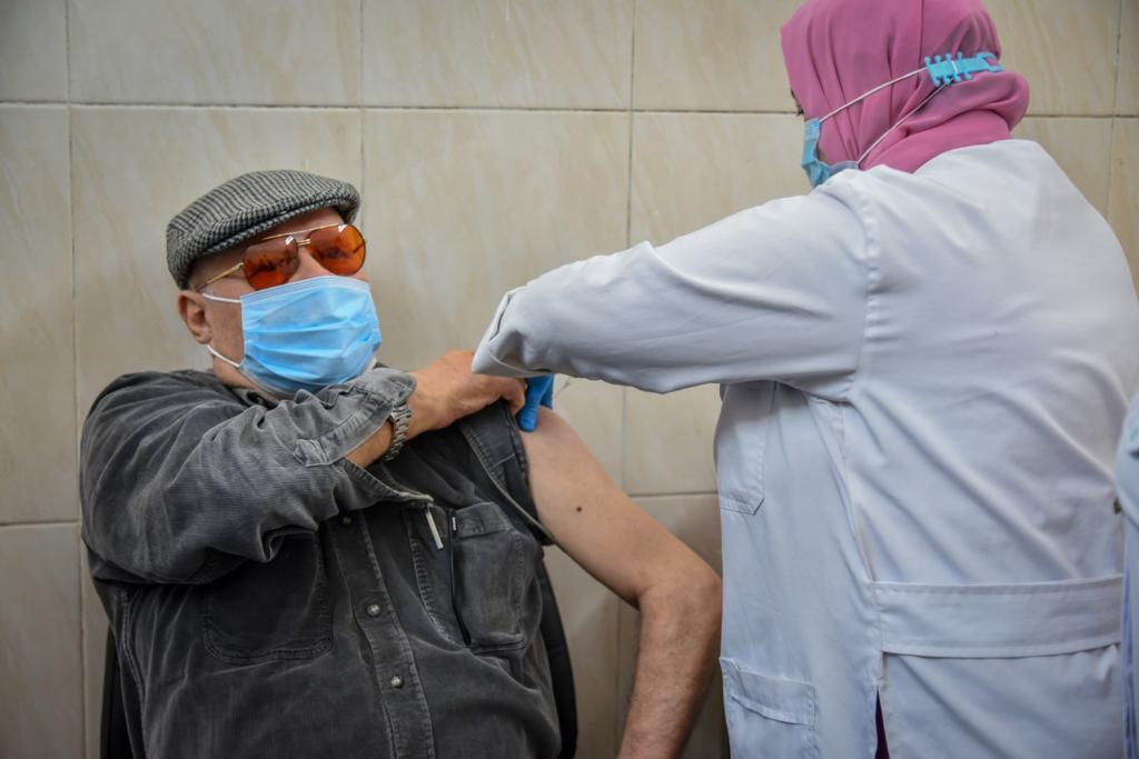 جانب من عمليات التطعيم بقاح كورونا