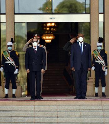 الرئيس السيسي فى مؤتمر صحفى بالسودان (1)