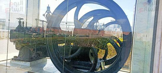 أول وحدة بخارية لتوليد الكهرباء داخل قفص زجاجى