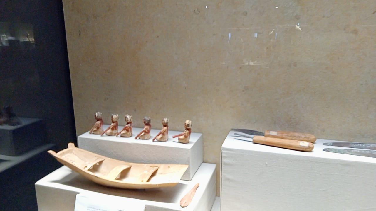 ادوات اثرية بمتحف كفر الشيخ