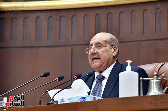 عبد الوهاب عبد الرازق رئيس المجلس