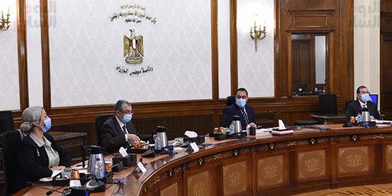 الدكتور مصطفى مدبولى مع رؤساء اللجان النوعية بمجلس النواب (2)