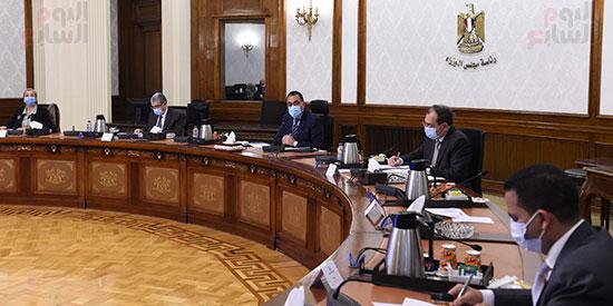الدكتور مصطفى مدبولى مع رؤساء اللجان النوعية بمجلس النواب (3)