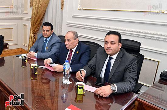 لجنة الشئون المالية والاقتصادية بمجلس الشيوخ (4)