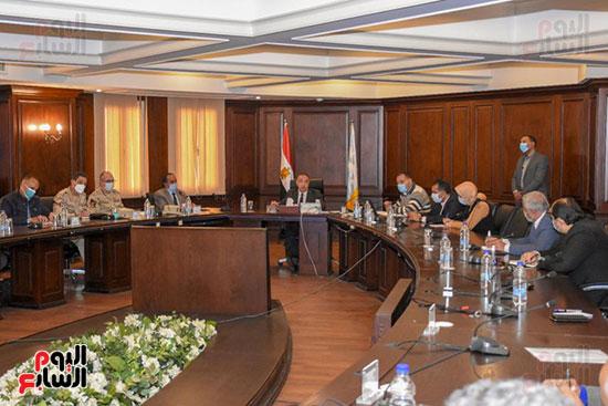 اجتماع-محافظ-الإسكندرية-حول-انشاء-مدينة-للجلود-ببرج-العرب