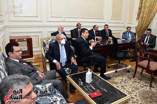 لجنة الشئون المالية والاقتصادية بمجلس الشيوخ (2)