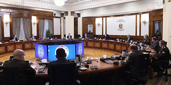 رئيس الوزراء يتابع موقف تنفيذ مشروعات العاصمة الإدارية الجديدة (5)