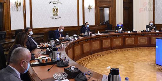 رئيس الوزراء يتابع موقف تنفيذ مشروعات العاصمة الإدارية الجديدة (1)