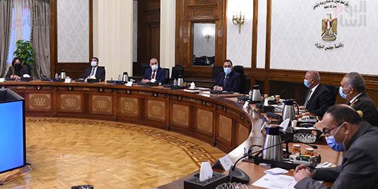 رئيس الوزراء يتابع موقف تنفيذ مشروعات العاصمة الإدارية الجديدة (4)