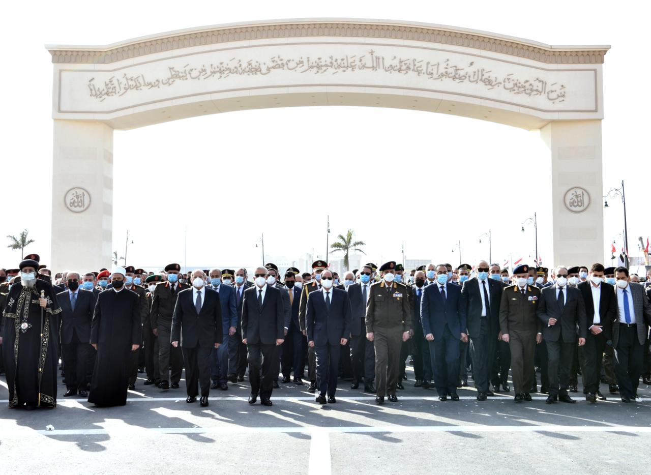 الرئيس السيسى يتقدم الجنازة العسكرية