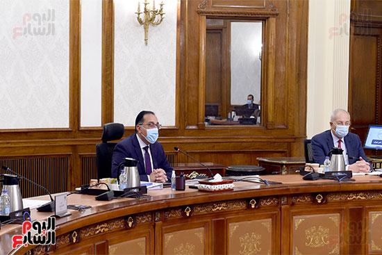 رئيس الوزراء يترأس الاجتماع الأول للمجلس الأعلى للموانئ  (1)