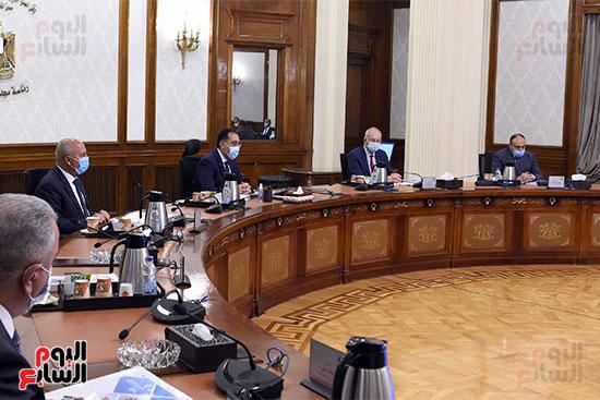 رئيس الوزراء يترأس الاجتماع الأول للمجلس الأعلى للموانئ  (4)