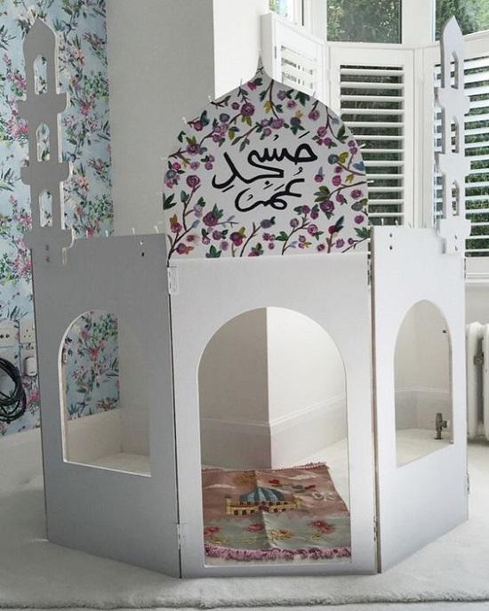 ديكورات رمضان.. مسجد من الكرتون (4)