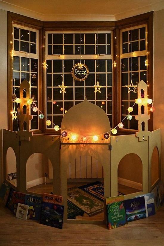 ديكورات رمضان.. مسجد من الكرتون (3)