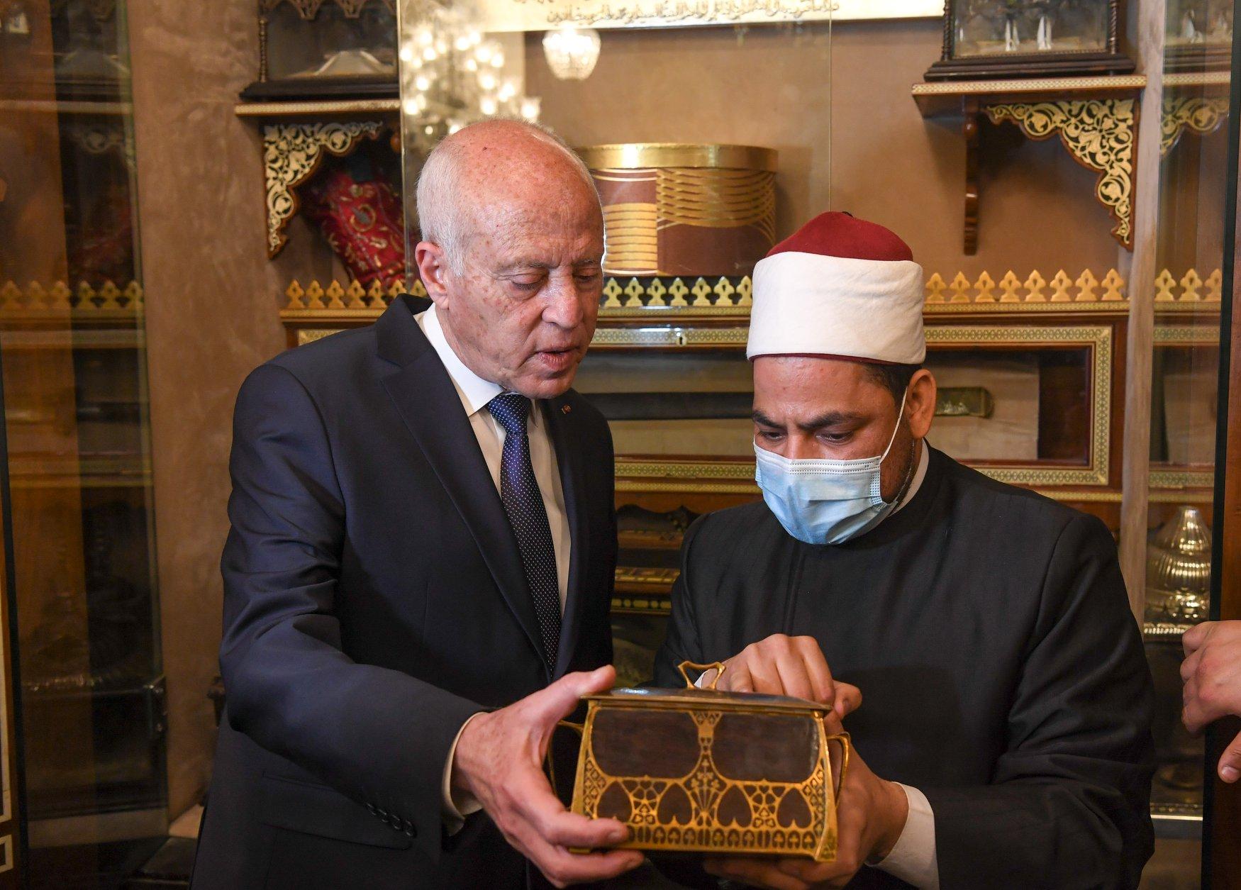 الرئيس التونسى فى الحسين (1)
