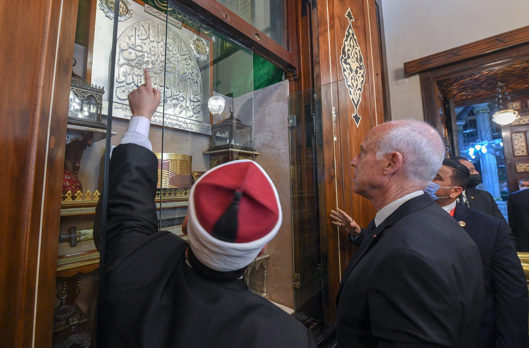الرئيس التونسى فى الحسين (5)