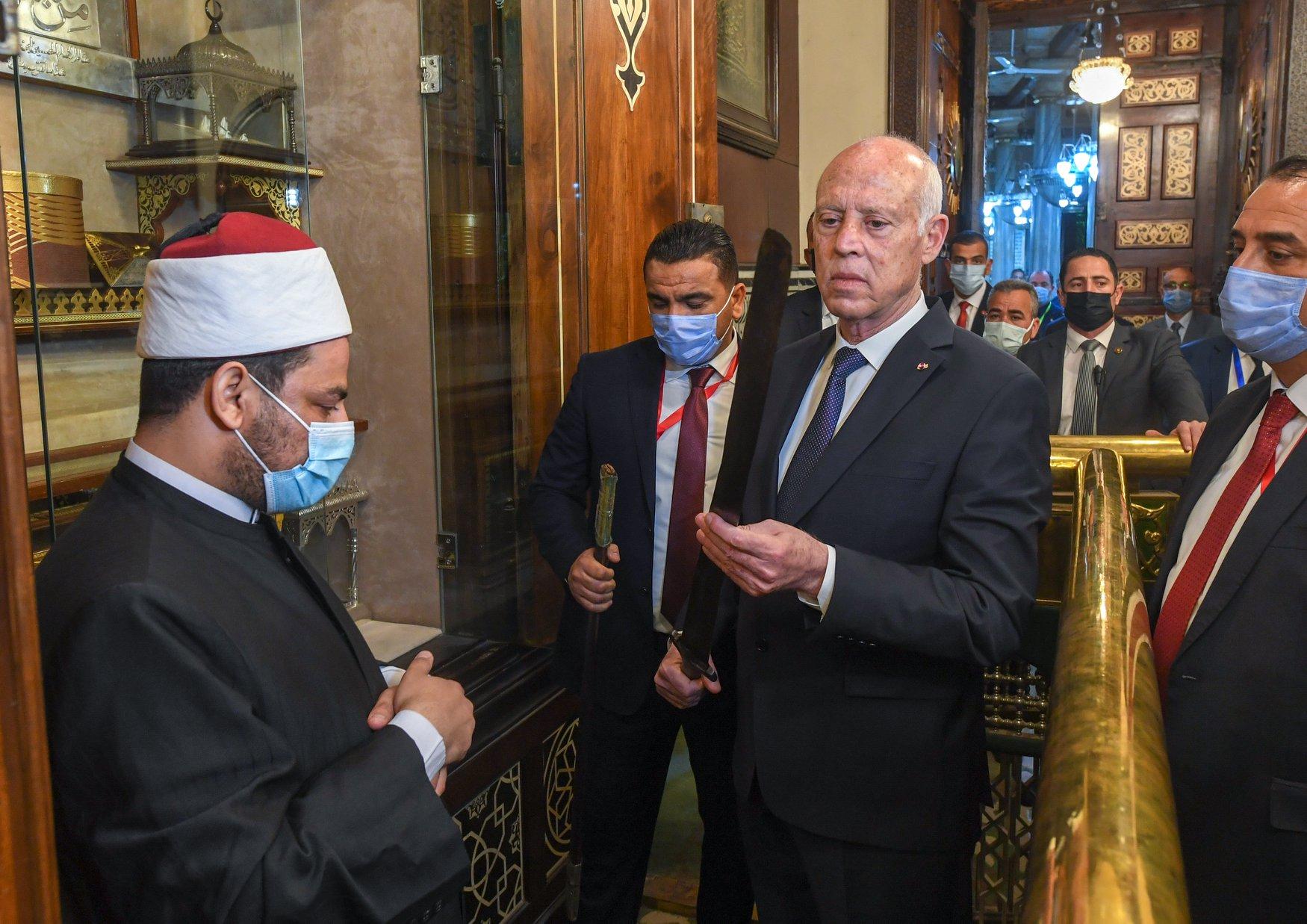 الرئيس التونسى فى الحسين (2)