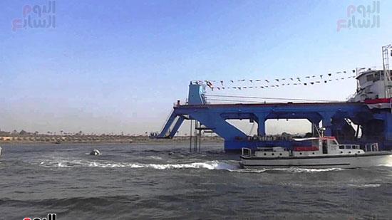 الكراكة مهاب مميش تنضم لأسطول قناة السويس (4)