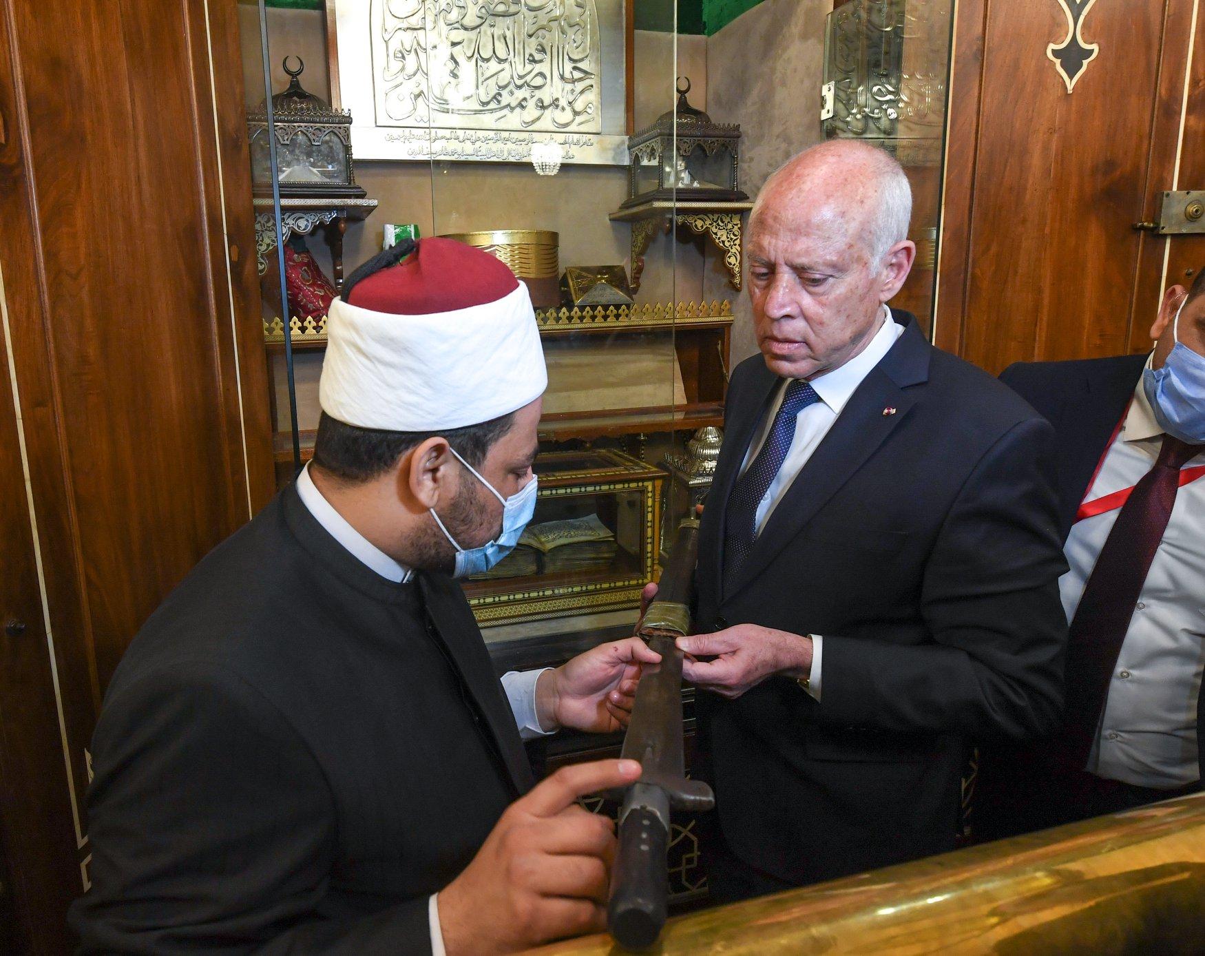 الرئيس التونسى فى الحسين (3)